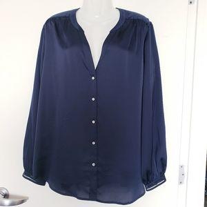 Ann Taylor Long sleeve button down blouse